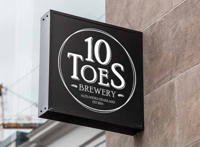 10 Toes Brewery Logo